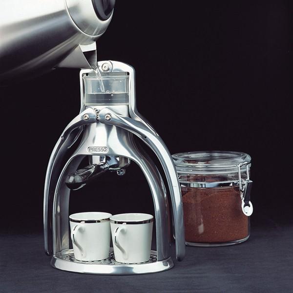 un caf expresso avec une machine tr s simple oser. Black Bedroom Furniture Sets. Home Design Ideas